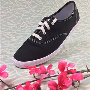Black White Keds 8M Sneaker